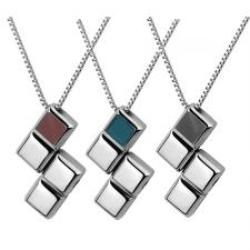 Stainless Steel Movable Pendant With Checkered Design.