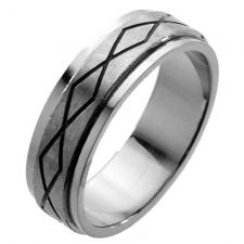 Spinner Ring with Continuous Diamond Pattern Engraved