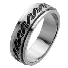 Spinner Ring with Black Engraved Braid pattern