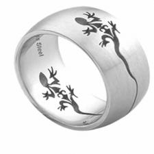 Stainless Steel Ring With Lizard Cut Out