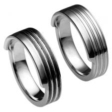 Stainless Steel Ring With Ridged Design