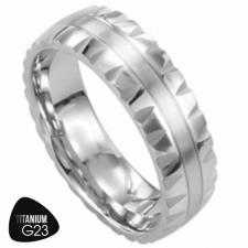 Titanium Ring with Beveled Edge and Stripe in the Center - 6.5mm Width