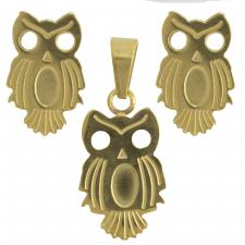 The pendant is 20mm long and the studs are 11mm long. The bail of the pendant can accommodate a chain up to 4mm thick